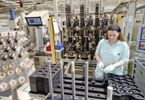 Komentář: Český průmysl se zvedá jen pomalu