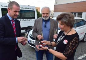 Šilha předal další Opely Centru Paraple