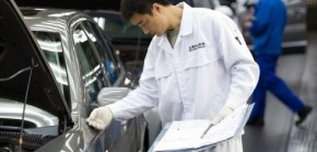 Výrobce aut opouštějí investoři, bojí se kolapsu čínské poptávky