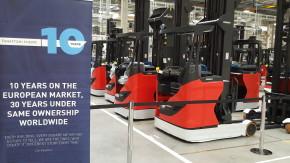 Kion spustil u Stříbra továrnu na vysokozdvižné vozíky