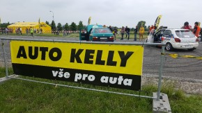 Auto Kelly held an air show in Hradec