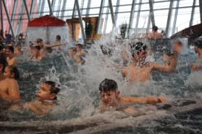 ING Bank nadělila k Vánocům vodní radovánky