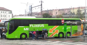 FlixBus kupuje Eurolines od Transdevu