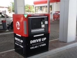 Přes bankomaty KB na Benzinách proteklo 800 milionů