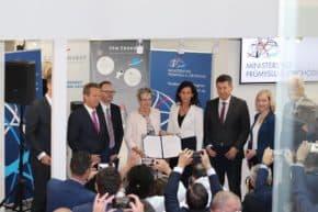 Ministrině podepsala memorandum s Týmem Česko