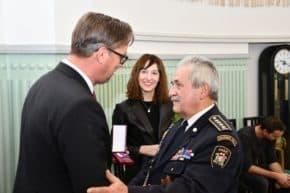 ESSOX má medaili od dobrovolných hasičů