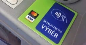Fio banka zavedla neomezené výběry ze svých bankomatů