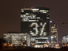 Zaměstnanci Raiffky rozsvítili City Tower