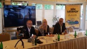 Lubor Kos finalizuje výstavu Legendy 2019