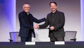 Šéfové PSA a FCA podepsali dohodu o fúzi