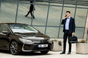 Toyota umožní odklad splátek a nižší úročení
