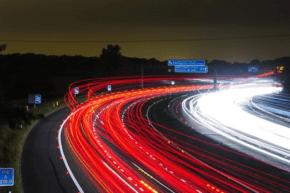 Accenture: autoprůmysl čelí krizi likvidity