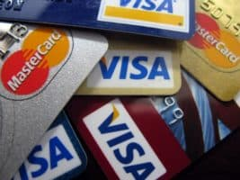 Platby kartou se vrací k normálu