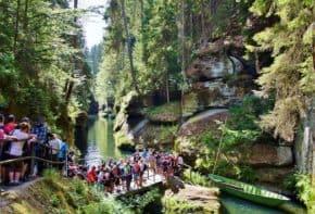 Více než polovina Čechů letos bez letní dovolené