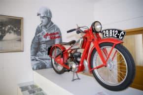 Hořice lákají na výstavu historických motorek