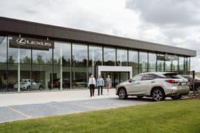 Lexus otevřel zážitkový showroom v Průhonicích