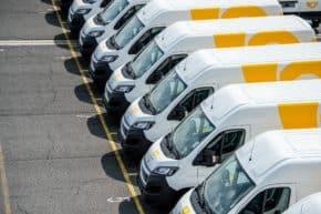 Český Peugeot dodal obří poštovní flotilu
