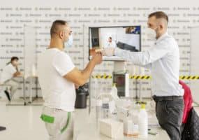 Škoda Auto buduje vlastní očkovací centra